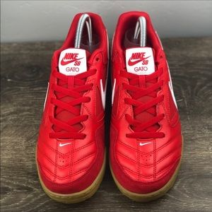 Nike Shoes - NEW Nike SB Gato